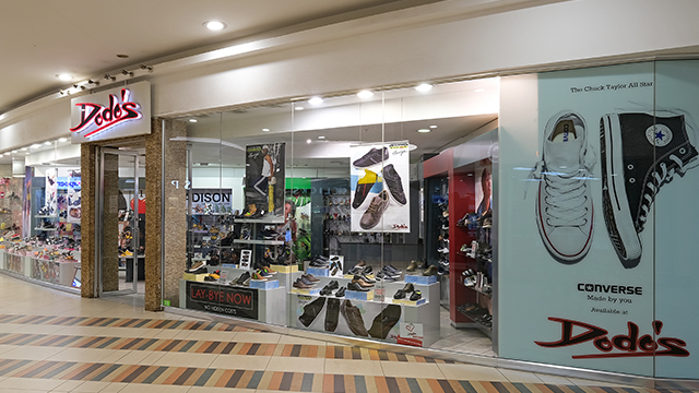 STORE FRONT 02